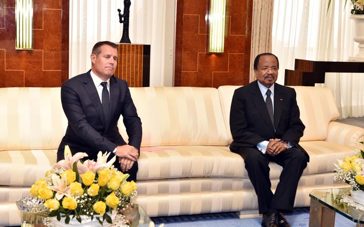 Le Président de la République, Paul BIYA, a reçu en audience, le 28 octobre 2019, l'Ambassadeur de Suisse au Cameroun, Pietro Lazzeri - Source photo : PRC